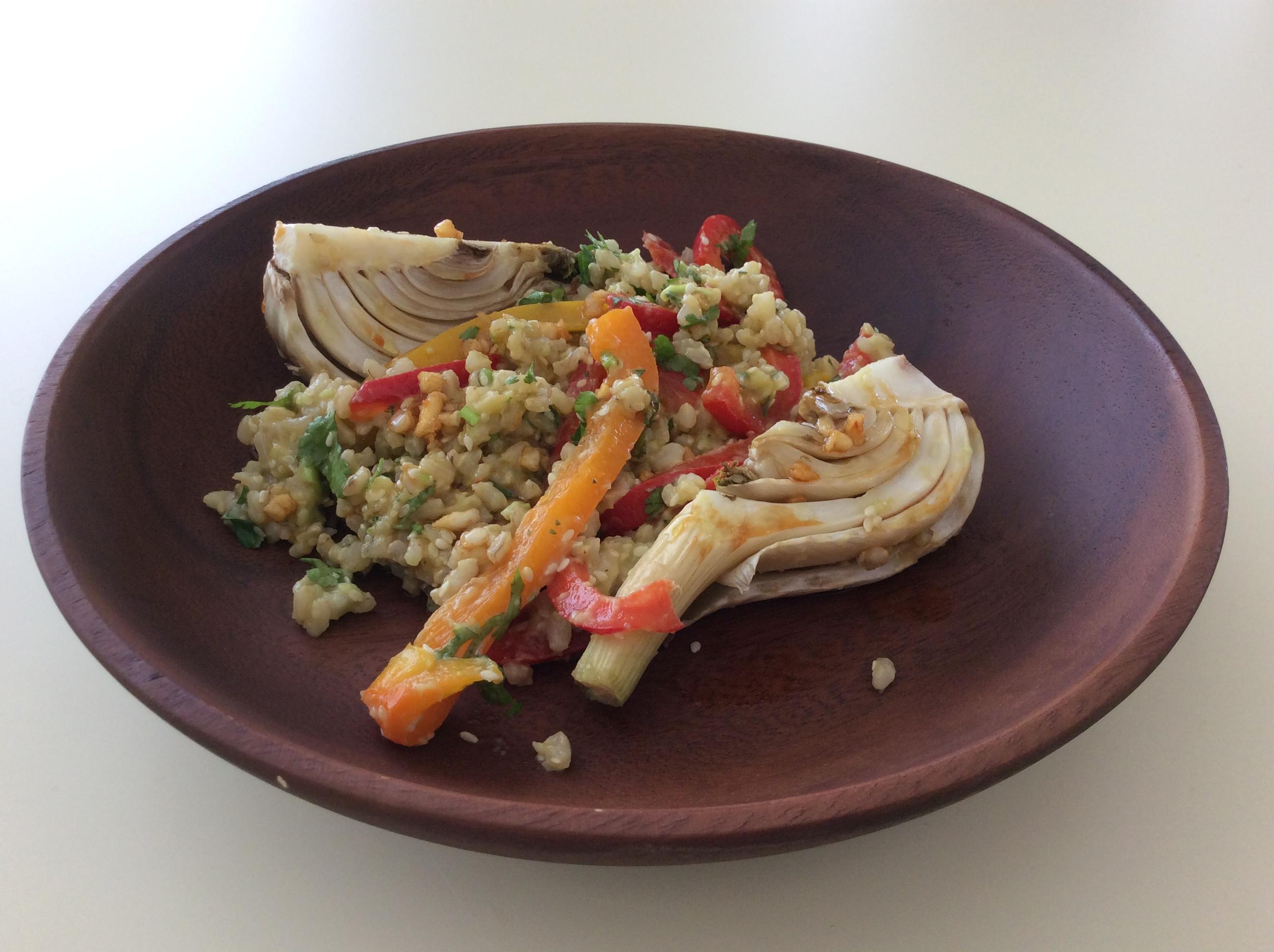 Taça arroz integral com Funcho, sésamo e coentros