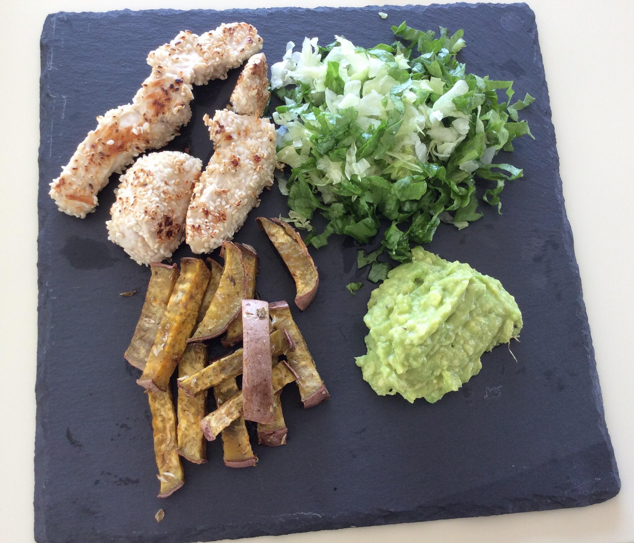 Nuggets frango com Creme abacate